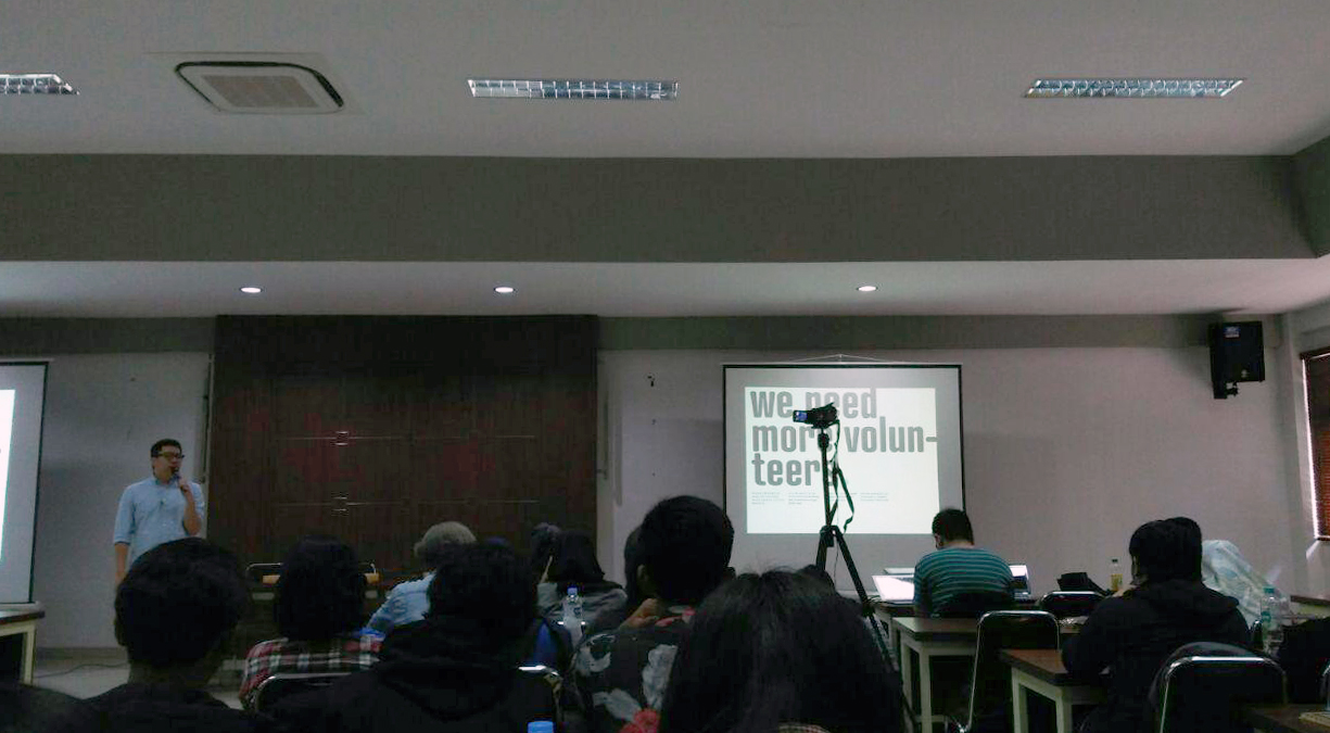 hubton-at-creative-mornings-talks-curiosity-itenas-bandung